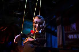 howl o scream vs halloween horror nights boo coup halloween themed events across tampa area tbo com