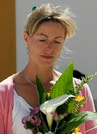 ... abducted almost a decade ago have been found alive in America will surely have given Kate McCann new hope that her daughter Madeleine is still alive - article-0-00BB0056000004B0-491_306x423