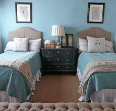 Two Twin Beds In Small Bedroom Small Bedrooms For Two Girls Preferred Home Design