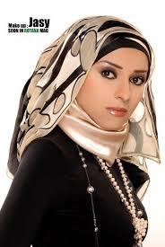 الطرق الصحيحة لإرتداء الحجاب لتتميزين بحجابك. Images?q=tbn:ANd9GcSz_qjgDbQsWwSkpiMb33NS6D0Gln6pJG_dHMHItSBrRqKx3N7p