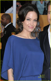 angelina jolie backwards dress sag awards 14