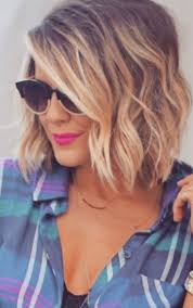 short haircuts curly hair pictures best 25 short wavy hairstyles ideas only on pinterest wavy bob