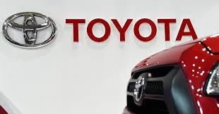 toyota motor car toyota reportedly set to take on tesla with fast charging battery