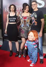 100 halloween horror nights chucky previewing one of the