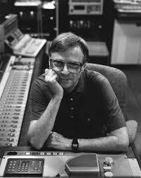 El ingeniero de sonido RUDY VAN GELDER, un mito del Jazz Images?q=tbn:ANd9GcT8Uodek3NXY_UudMr7HCY4FKe10fsXSClwEENuUnD85BQnbaDm