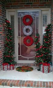 decorations red and white ball ornament wreath christmas front
