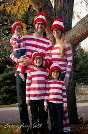 Red Solo Cup Halloween Costume 21 Freakishly Fun Couples Family Halloween Costumes Waldo