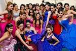 File:NO son quinceañeras - via Daymix