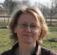 <b>Simone Gottschling</b>. Auf dem Lande in der Oberlausitz aufgewachsen hat auch <b>...</b> - simone470525_03_2010