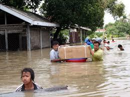 VIDEO BANJIR BANDANG LANDA SULTENG 2011 Korban Banjir Bandang Sulawesi Tengah