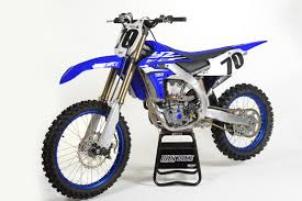 how to ride motocross bike dirt bike magazine friday wrap up riding yamaha u0027s new 450 and