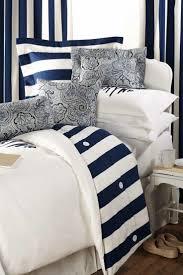Navy Blue Wall Bedroom Best 25 Blue White Bedrooms Ideas On Pinterest Blue Bedroom
