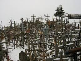 La Colina de las Cruces en Lituania Images?q=tbn:ANd9GcTFJ-m8XsuSmfcOA6zBCkatHFeeMbJl0TG1zV3mjy-iNT_LnZE-
