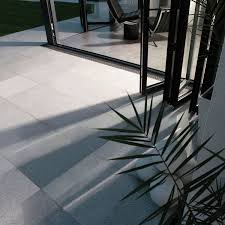 outdoor tile floor granite textured natural bradstone