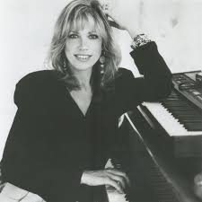 Carly Simon To Perform Online
