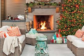 Homes With Christmas Decorations by Christmas Decorations Southern Living