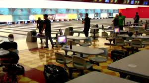 Speed Date Bowling VIDEO   Vegas Stripped   TravelChannel com Travel Channel