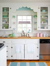 Enamel Kitchen Cabinets by Best 25 Vintage Kitchen Cabinets Ideas On Pinterest Country