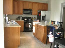 Kitchen Island Oak by Kitchen Quartz Countertops With Oak Cabinets Kitchen Island With