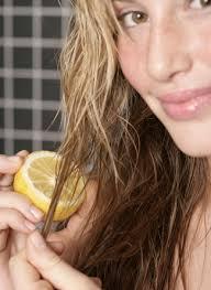 Lighten your Hair Naturally with Lemon Juice