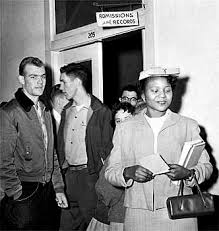 Lucy  Autherine    Kids Encyclopedia   Children     s Homework Help     Kids Britannica Photograph Autherine Lucy  a graduate student in library science  leaves the admissions office
