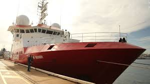 MH    possibly plunged straight into ocean  expert says   CNN com The Fugro Discovery ship docked early morning in Fremantle Port after a six week stint of