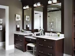 Bathroom Mirror With Lights Built In by Best 25 Bathroom Makeup Vanities Ideas On Pinterest Makeup