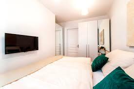 Hm Wohnung In Wien Design Destilat Schlafzimmer Wien Deko Schlafzimmer Dachschräge Cropost Com