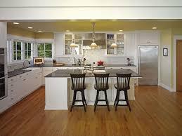 traditional kitchen with undermount sink u0026 kitchen island in