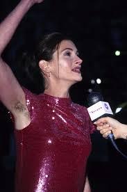 ハリウッド女優  ワキ|様々なセレブ達がレッドカーペットや記者会見など、メディアに出て写真を撮られ慣れているのに、ワキ毛の処理がイマイチ出来ていない。