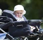 Kate Middleton Pushing Prince George in a Stroller | POPSUGAR ... stylelist.com