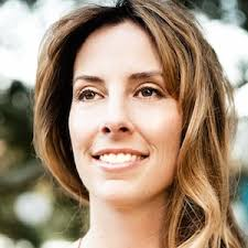 Lauren Korshak is the alchemist of your dating life  Her background as a somatic psychotherapist gives her an ability to analyze  empathize  and intuit  Tawkify