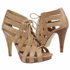 احذية خفق للصبايا , اجمل كولكشن احذية بالكعب العالي images?q=tbn:ANd9GcTRtNmPWj3WPP872dKbDrTadWLHosA5OzMonfrGDaYJkmd7i3ZO9cC9zn1y