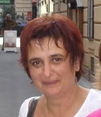 Lidija Mandić završila je Fakultet elektrotehnike i računarstva, smjer Radiokomunikacije i profesionalna elektronike, gdje je i magistrirala i doktorirala. - mandic_lidija