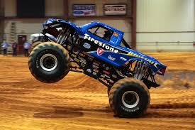 bigfoot monster truck wiki blue flame bigfoot 16 the bigfoot racing team pinterest