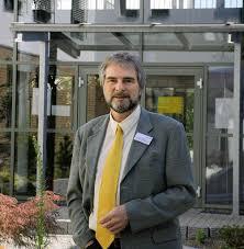 Ulrich Frommberger, Chefarzt der Klinik an der Lindenhöhe. Foto: G. Siefke. OFFENBURG. Die Mediclin-Klinik an der Lindenhöhe zählt laut einer Studie des ... - 63047562