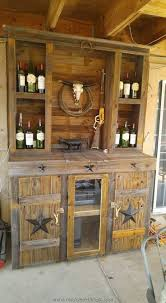 best 25 saloon decor ideas on pinterest rodeo party cowboy recycled wood pallet ideas
