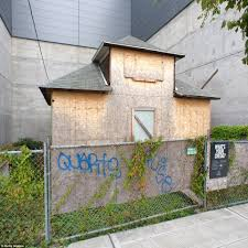 Pictures Of A House Edith Macefield U0027s U0027up U0027 Style House In Seattle Will Finally Face