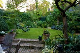 Veranda Plan De Campagne Jardin En Ville Un Très Petit Jardin Planté D U0027un Abricotier De