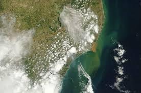 Imagens de satélite da Nasa mostram avanço da lama pelo litoral ...