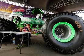 grave digger monster truck song monster jam 2016 si com