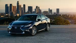 westside lexus dealership houston automotive minute why do luxury buyers pick lexus so much more