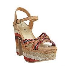 يا حلاوتك بتشكيلة أحذيه من ماركة ستيف مادن 2013 images?q=tbn:ANd9GcT