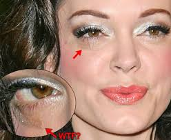 Rose McGowan - scar from car accident (image hosted by celebwarship.com)