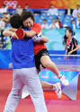 Singapore ends 48-year Olympic medal drought_English_Xinhua