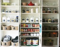 Glass Canisters For Kitchen Lista Della Spesa Gli Immancabili In Dispensa Pantry