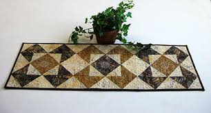 Quilted Table Runners by 30 Free Table Runner Quilt Patterns And Table Topper Designs