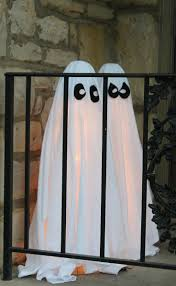 halloween decorated 96 best halloween decorations images on pinterest happy
