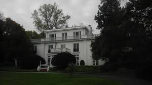 Soundview Manor