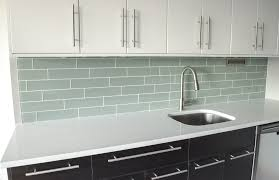 modren kitchen white glass backsplash and design decorating